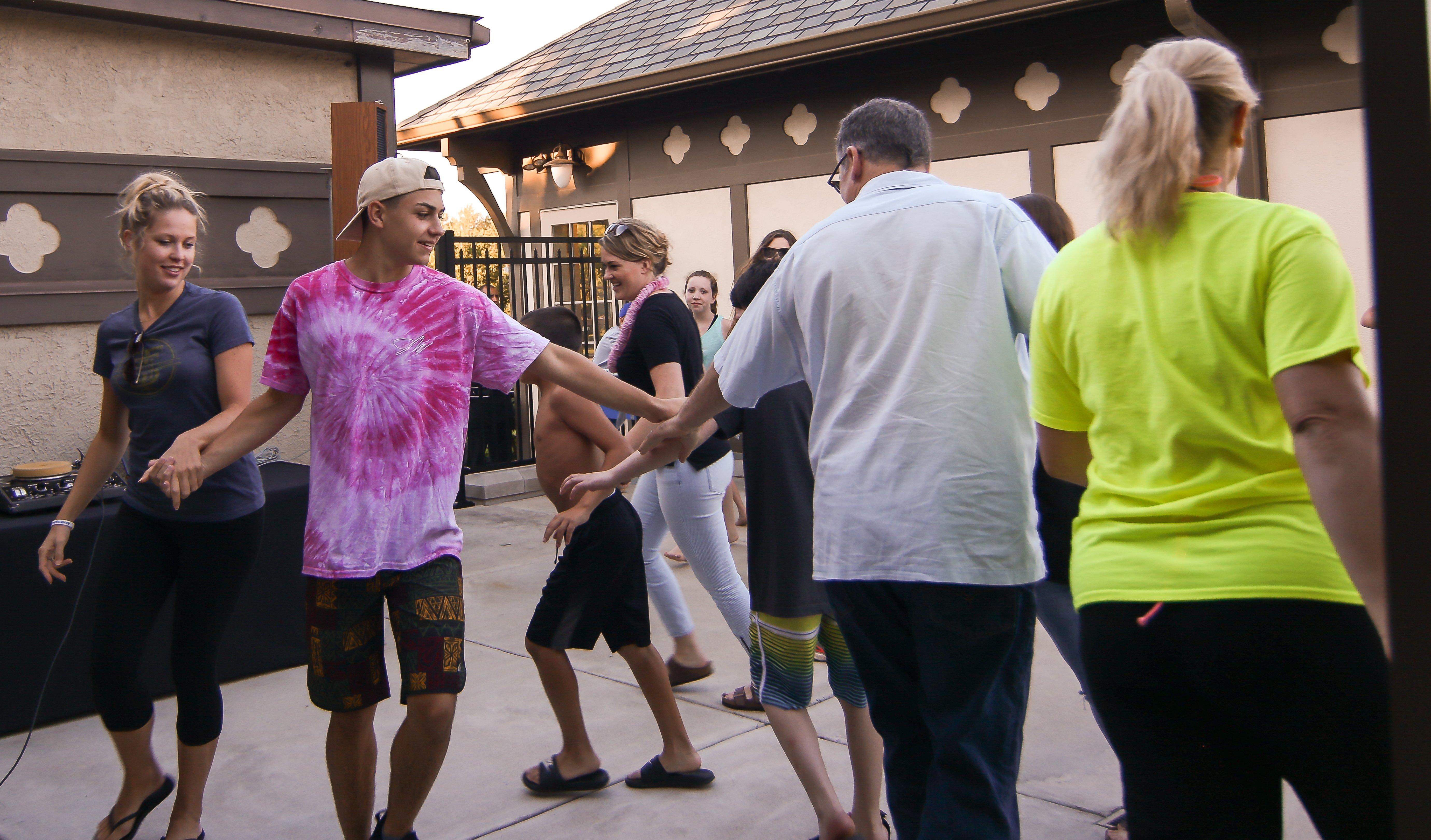 https://campkidsarekids.org/wp-content/uploads/2018/07/Evanston-CC-Dancing-17.jpg
