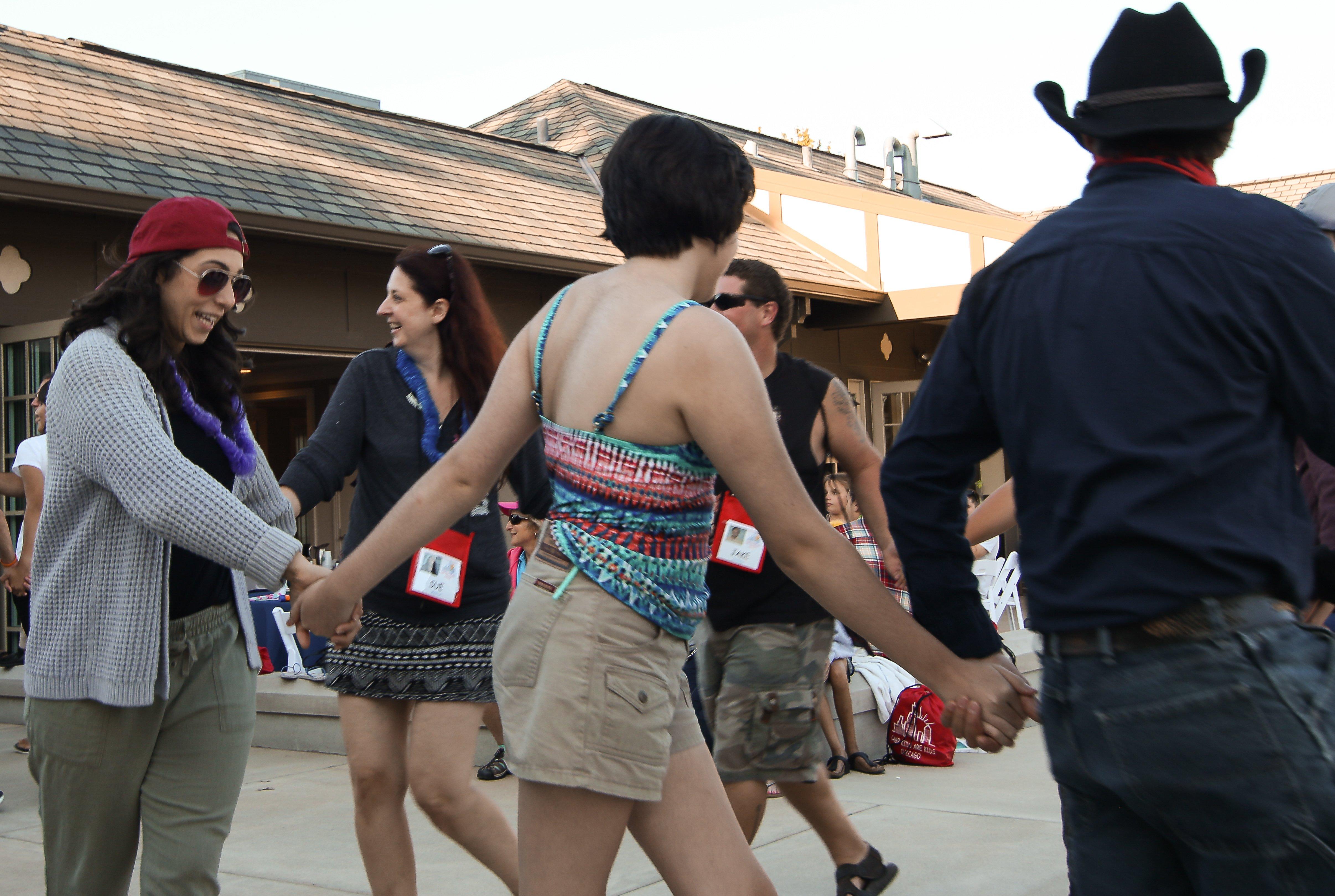 https://campkidsarekids.org/wp-content/uploads/2018/07/Evanston-CC-Dancing-5.jpg